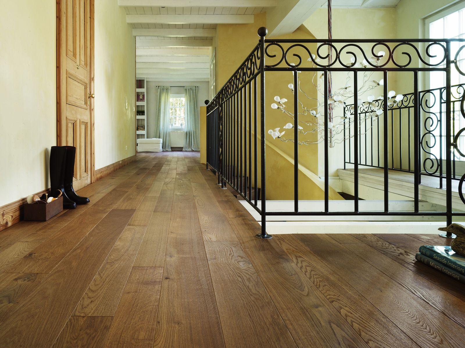 haro parkett landhausdiele 4000 bernsteineiche markant strukturiert 4v fase natur ge lt haro. Black Bedroom Furniture Sets. Home Design Ideas