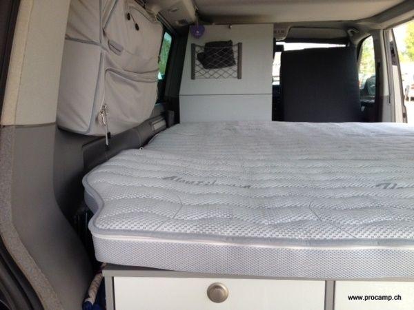 Bett Bed SpezialMatratze CHF 719. 186cm x 150cm x 8