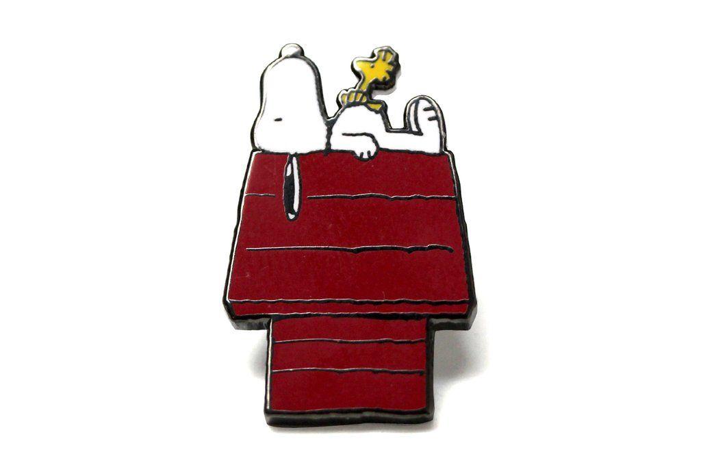 """Woodstock /& Snoopy 1.25/"""" Lapel Pin"""