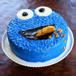 An easy and incredibly fun Cookie Monster birthday cake CLEVER