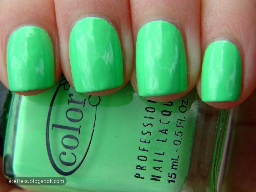 my fave color!! / http://steffels.blogspot.de/2011/11/green-spam ...