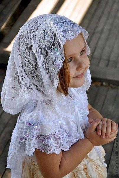 красиво одетые платки