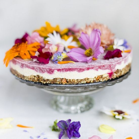 Edible flowers are a fantastic way to add that something extra to your cocktail hour. We look at some common and safe flowers and how to use them