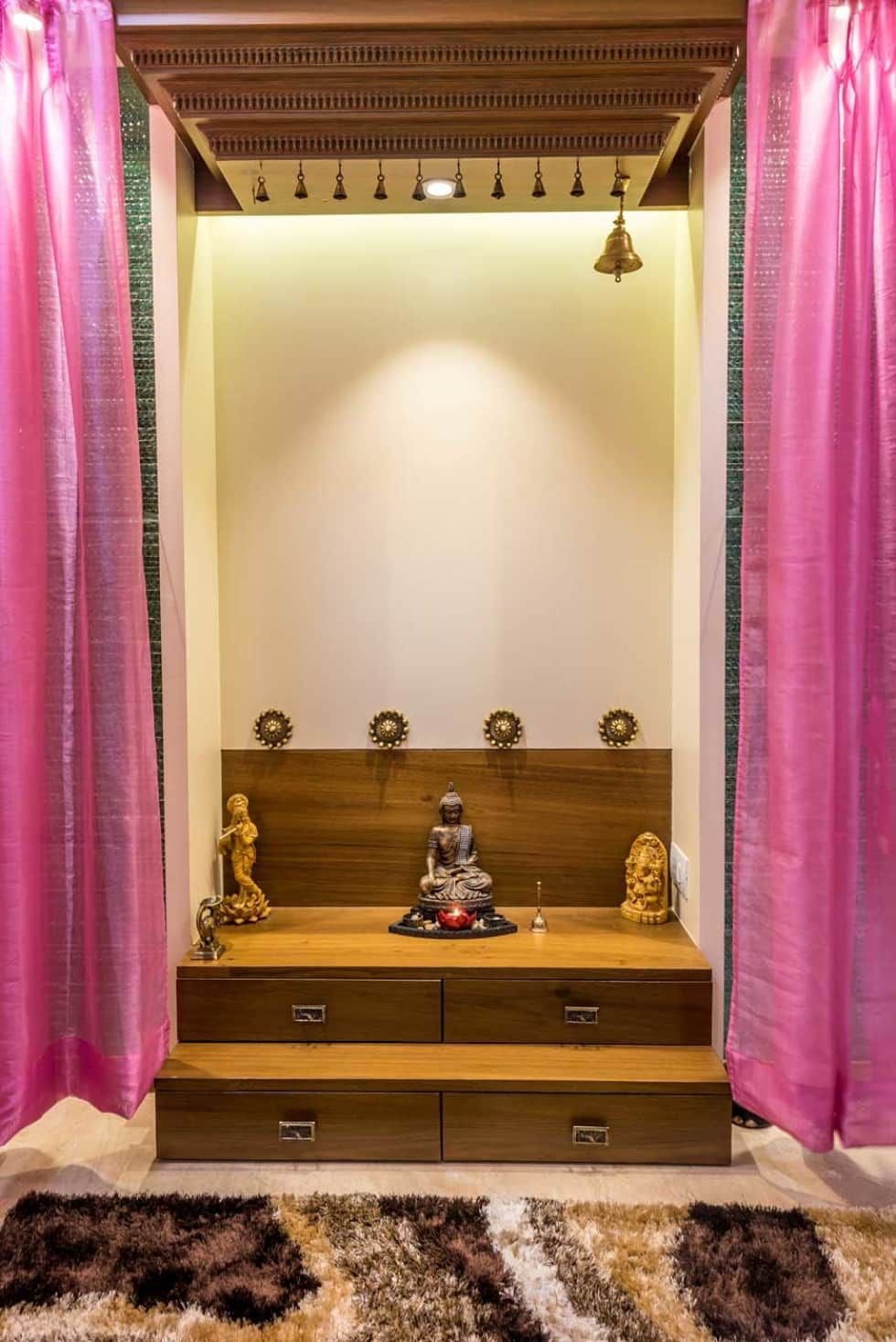 9 Traditional Pooja Room Door Designs In 2020: Temple Classic Style Bedroom By Istudio Architecture