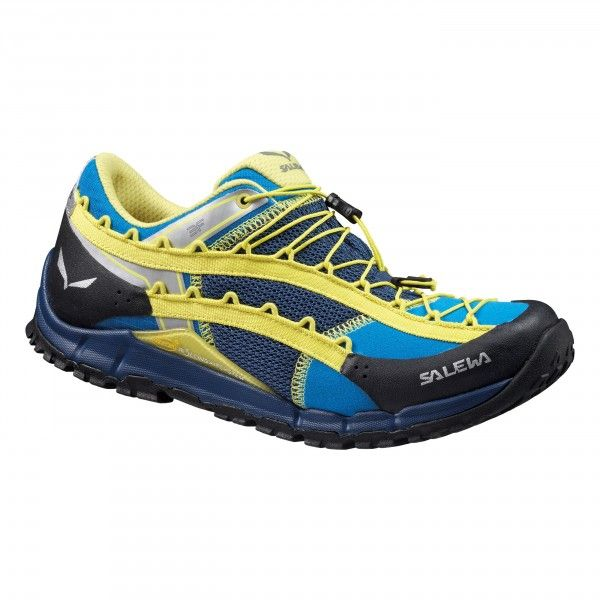 The award-winning Speed Ascent is a low-cut, fast hiking shoe with an innovative and unconventional design. It gives active mountaineers natural fast roll-off performance on mixed mountain terrain.<br/><br/>The shoe is built around SALEWA's Take-Off techn