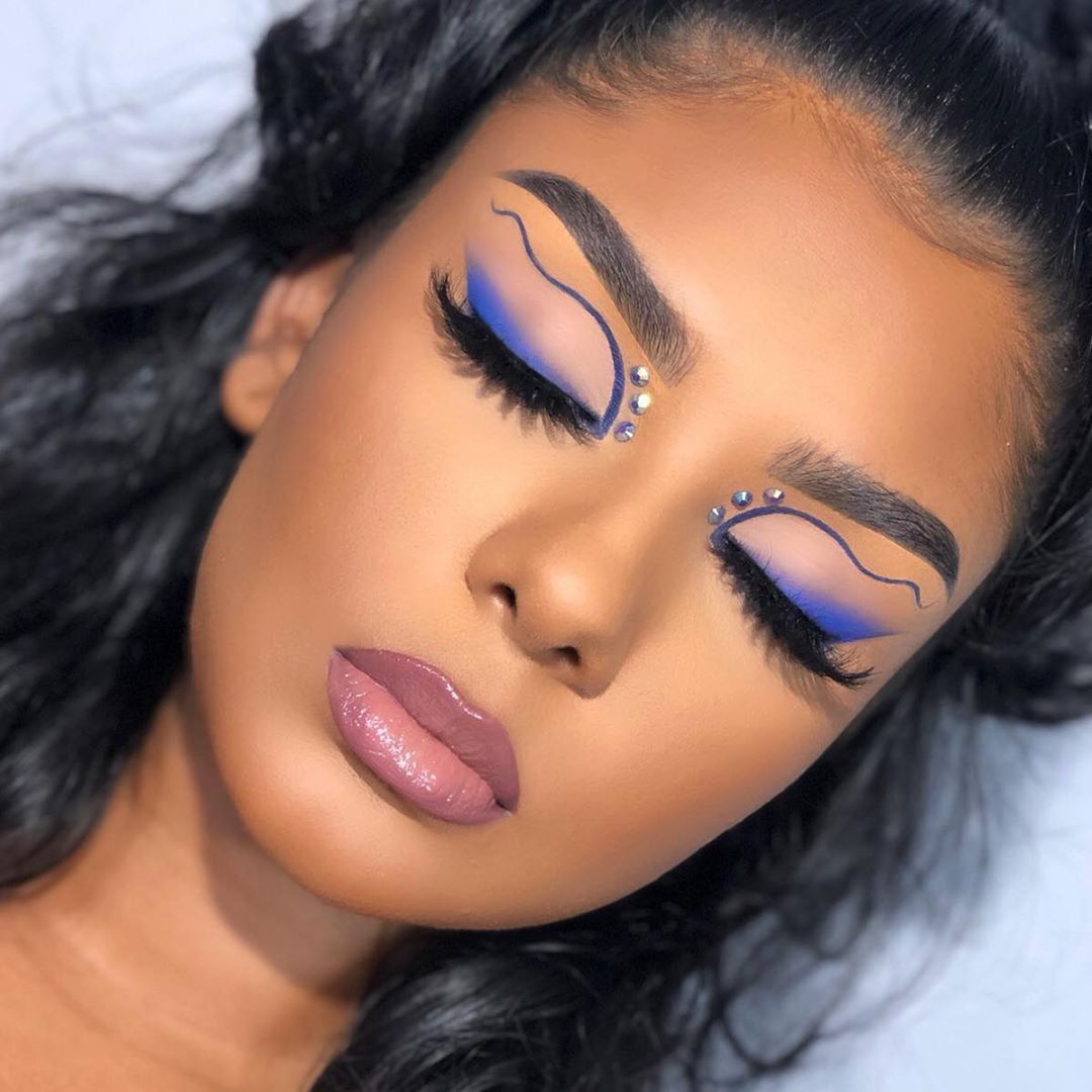 Indigo Ribbons I Want To Do More Artsy Makeup Looks But I Haven T Received Very Good Feedback On Those In The Past How Do Makeup Retro Makeup Lipstick Skin