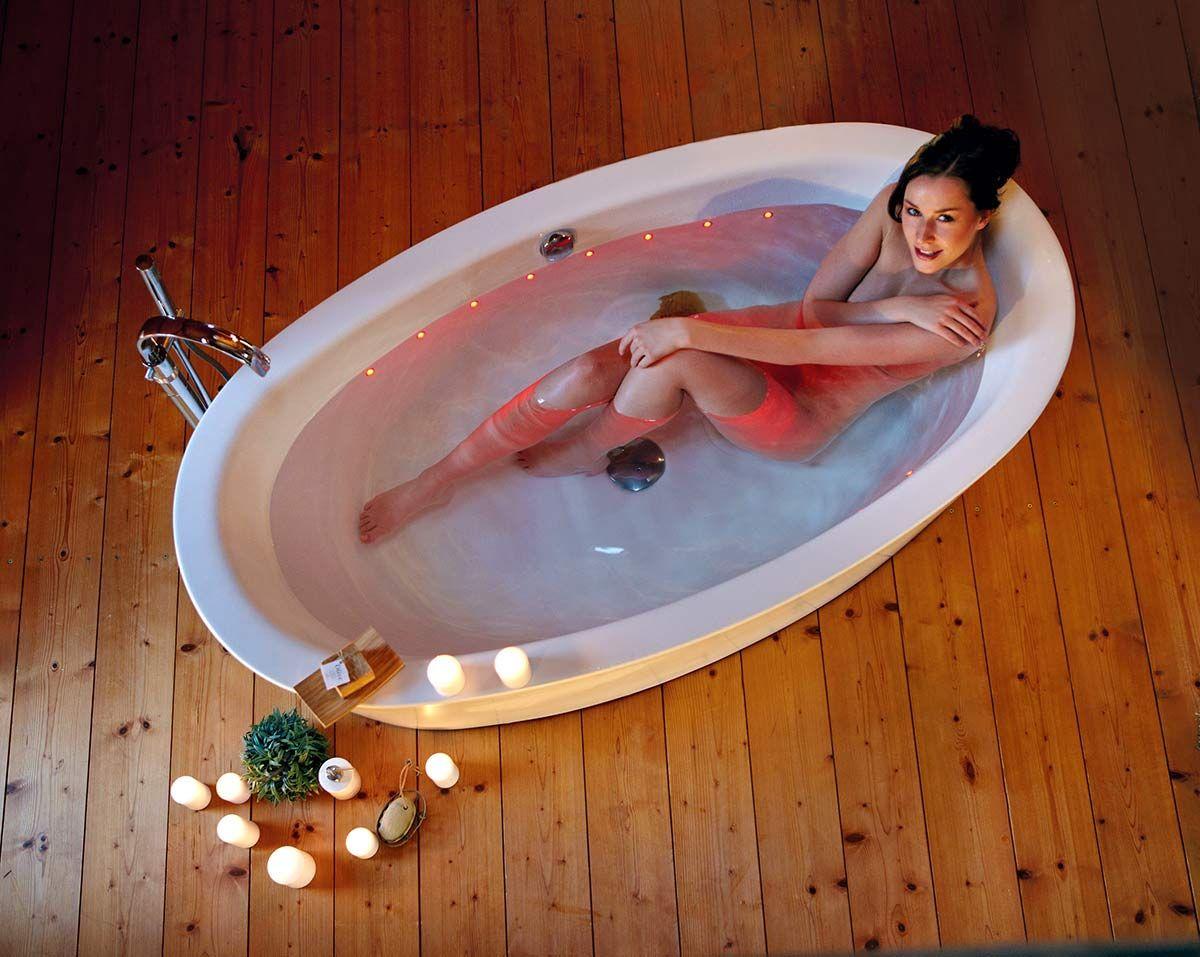 Bei Badewanne Licht Design Vereint Losungen Von Mauersberger Wanne Badewanne Ovale Badewanne