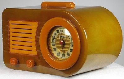 Catalin tube radio