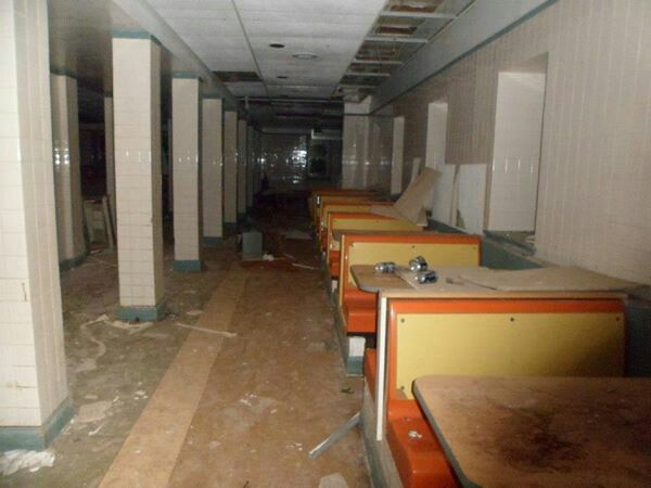 Cafeteria in Sleighton Farm School/abandoned building/abandoned
