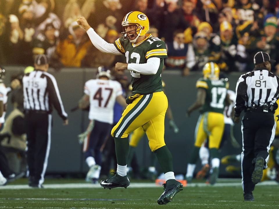 Aaron Rodgers Has Six Touchdowns As The Packers Lead The Bears 42 0 At Halftime Green Bay Packers Aaron Rodgers Aaron Rodgers Nfl
