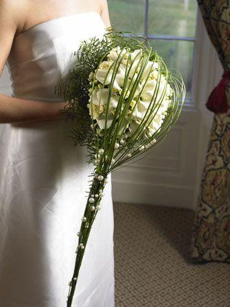 Bouquet boule mariage mariage jean paul gaultier pinterest bouquet mar - Comment faire un bouquet de mariee ...