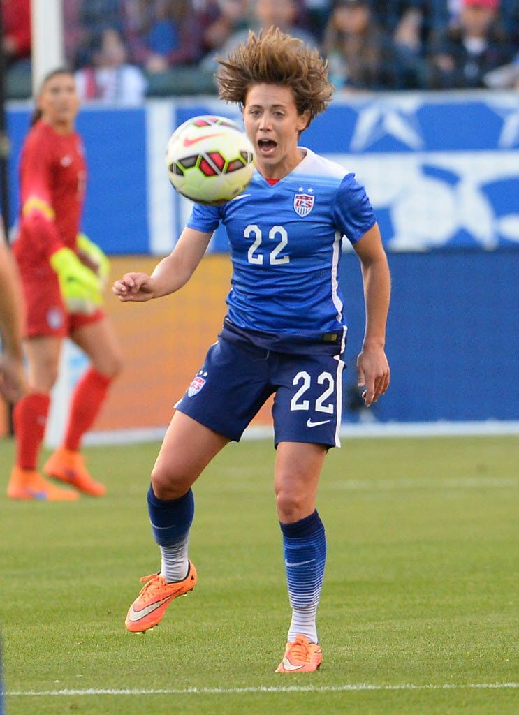 Meghan Klingenberg vs. Mexico, May 17, 2015. (Jayne Kamin