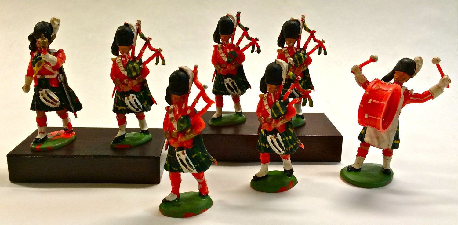 Miniature bagpipes - MAAS Collection