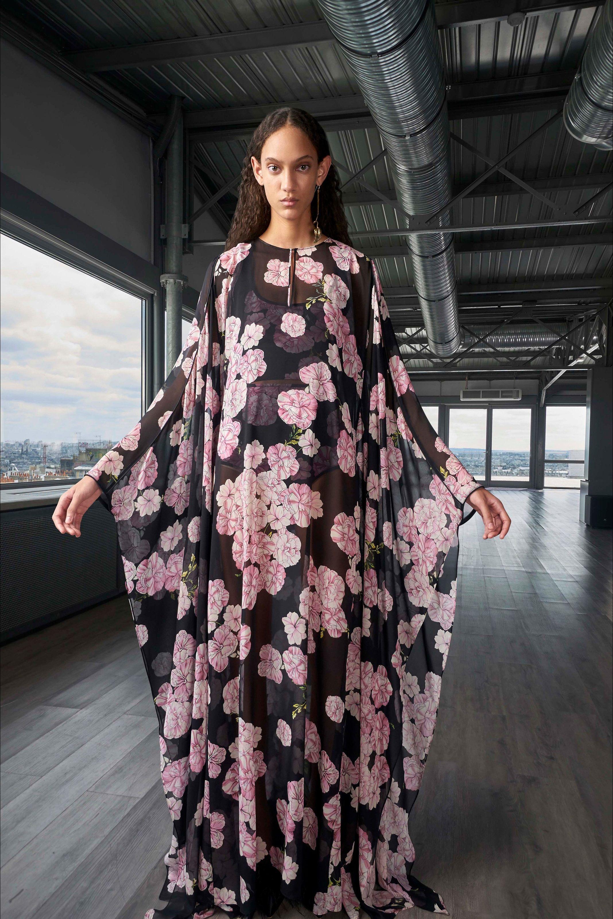 ec67f70c4cab Sfilata Giambattista Valli Parigi - Pre-collezioni Primavera Estate 2019 -  Vogue