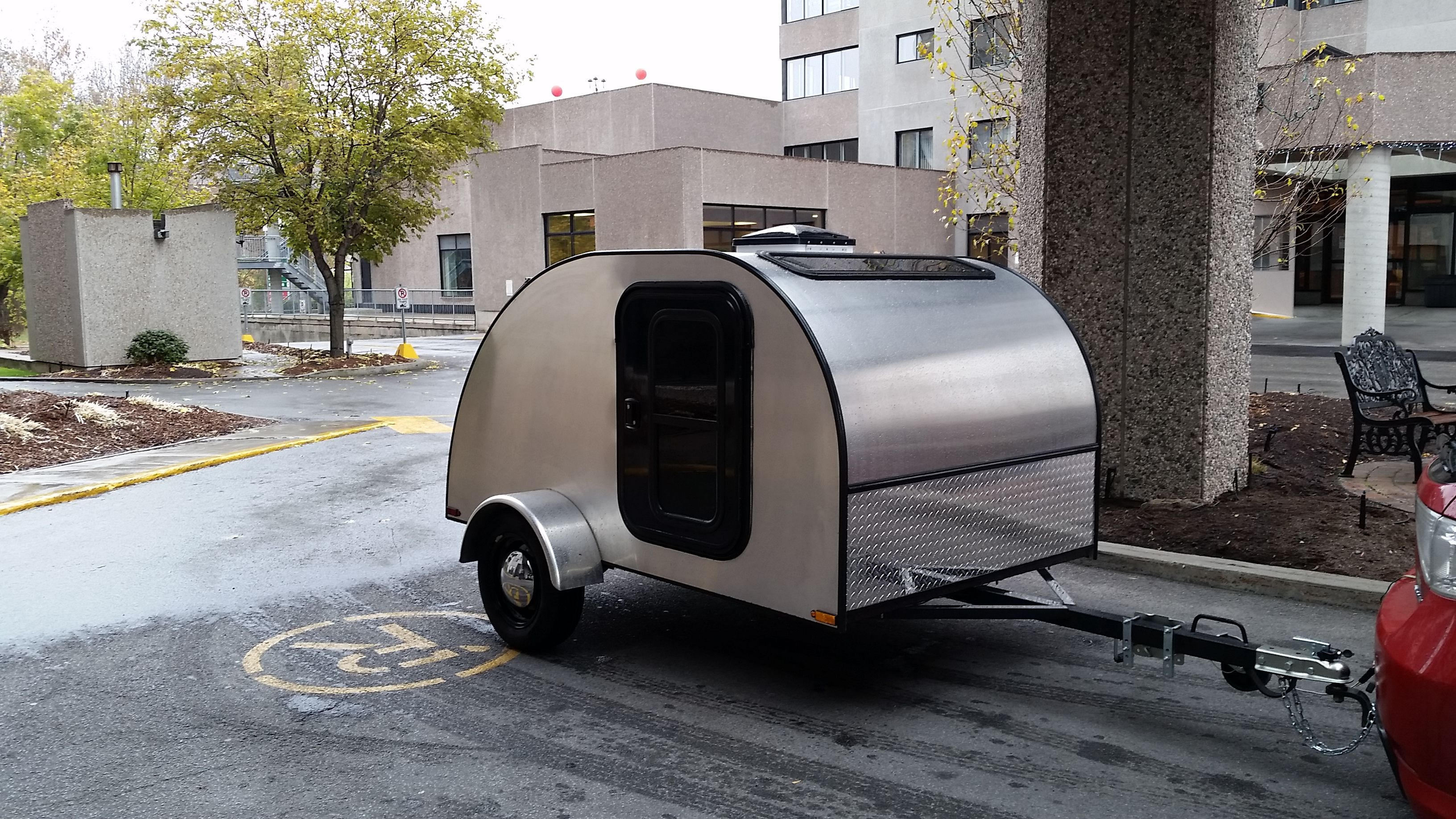 New Teardrop Trailer From Car Go Trailers In Canada Located In Quebec These Guys Build A Quality Trail Teardrop Trailer Camping Teardrop Trailer Small Trailer