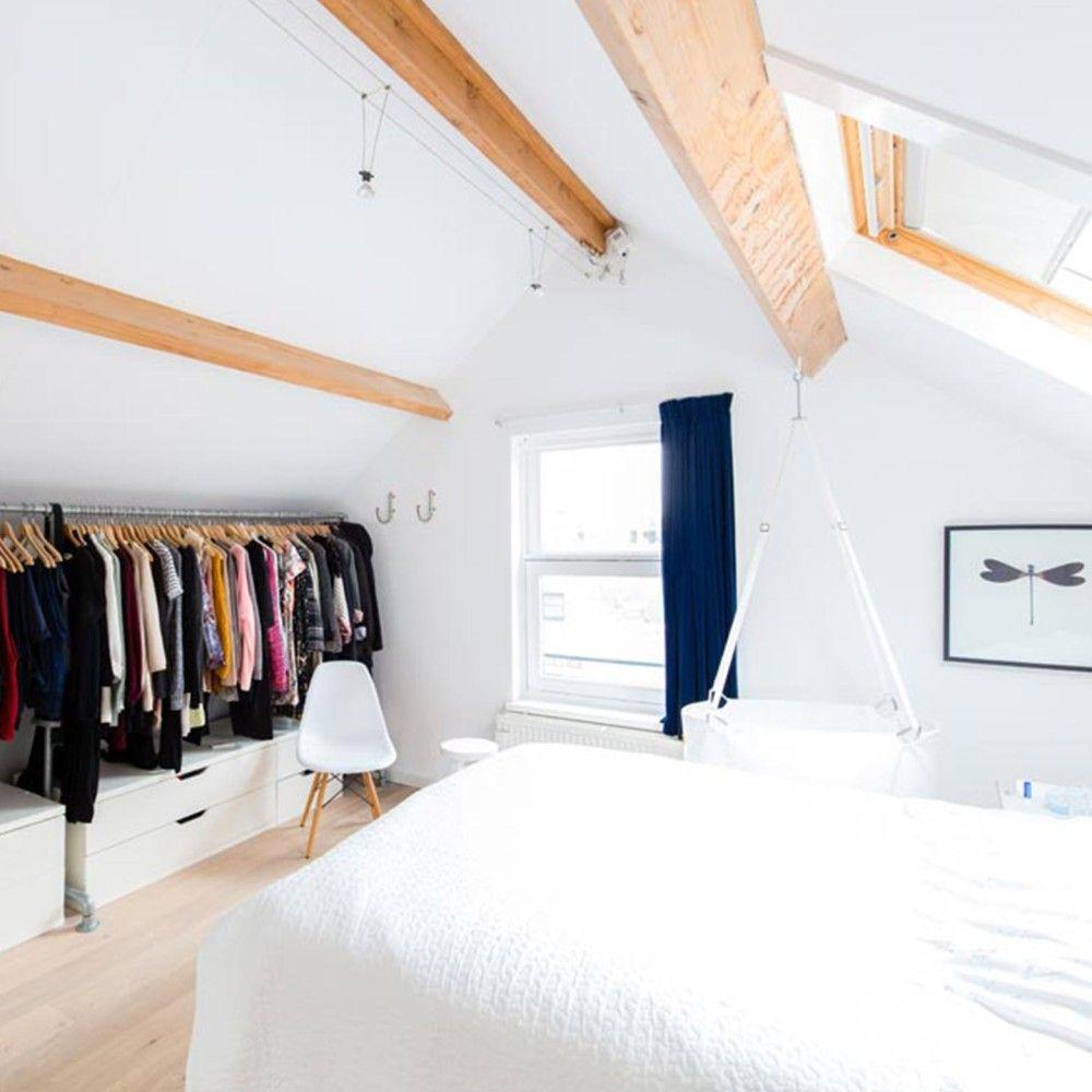 Ikea solución para la buhardilla, pero poniendo una cortina ...