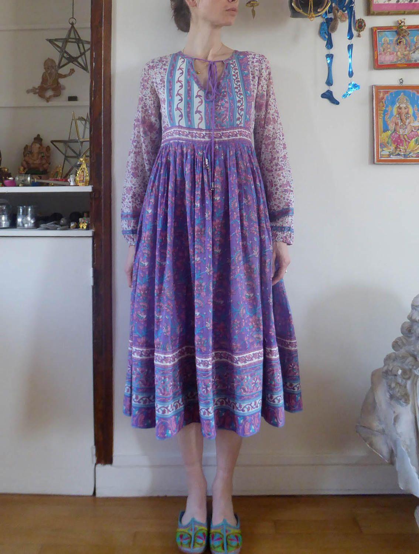Vintage Indian Dress Block Print Hippie Size S India Cotton Etsy Dresses Indian Dresses Block Dress [ 1500 x 1134 Pixel ]
