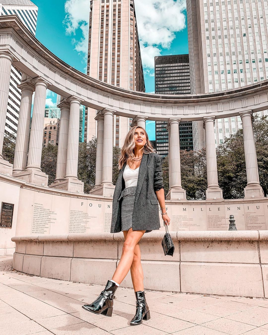 "Ana Burduja on Instagram: ""I am thankful for today. . . . . #chicago #choosechicago #shetravels #chitown #chicagotravel #discoverunder5k #wonderlust #falloutfits"""