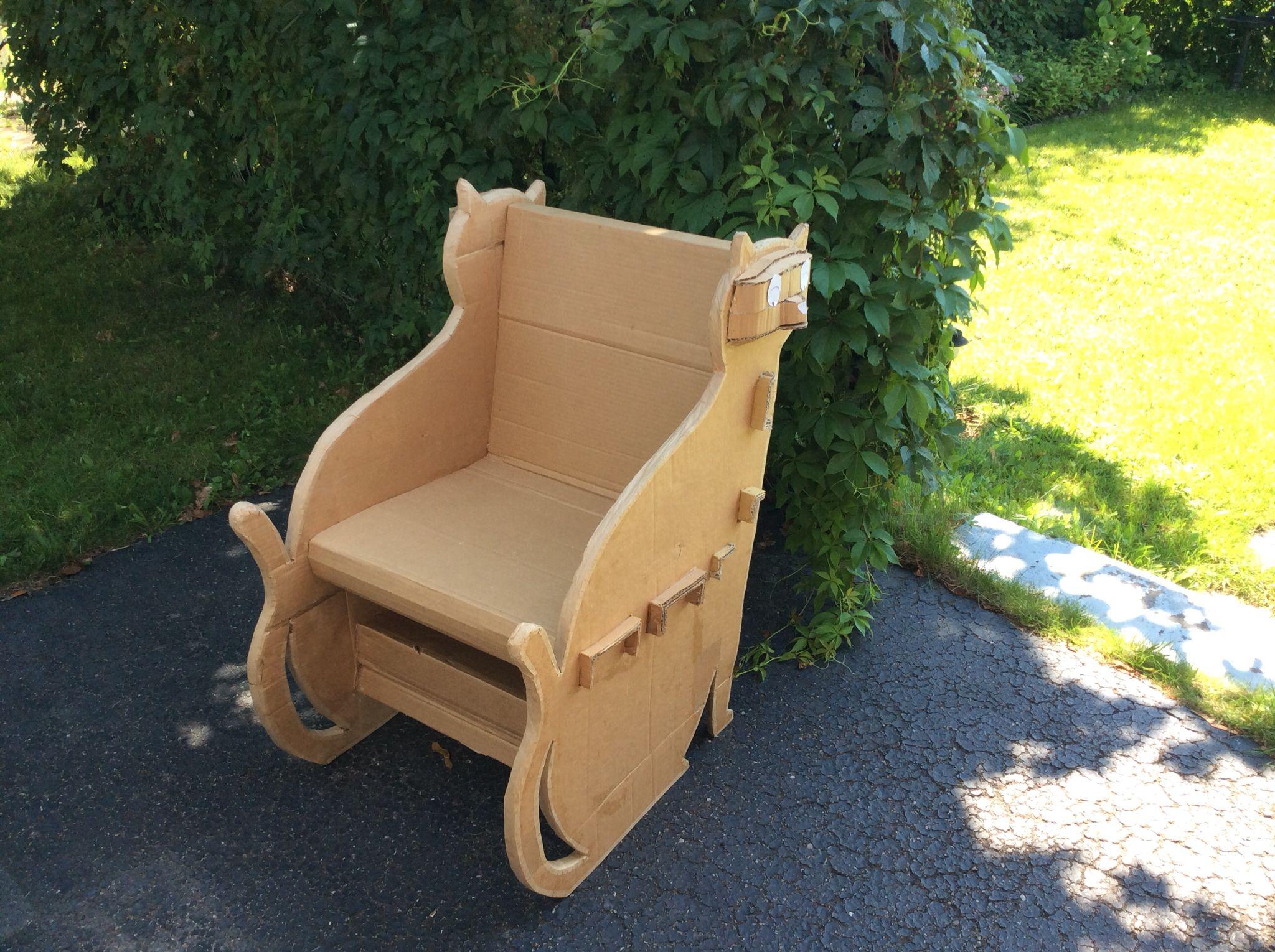 Fauteuil Chat De Carton Prototype 1 Demontre La Solidite De La Construction Toddler Bed Decor Home Decor