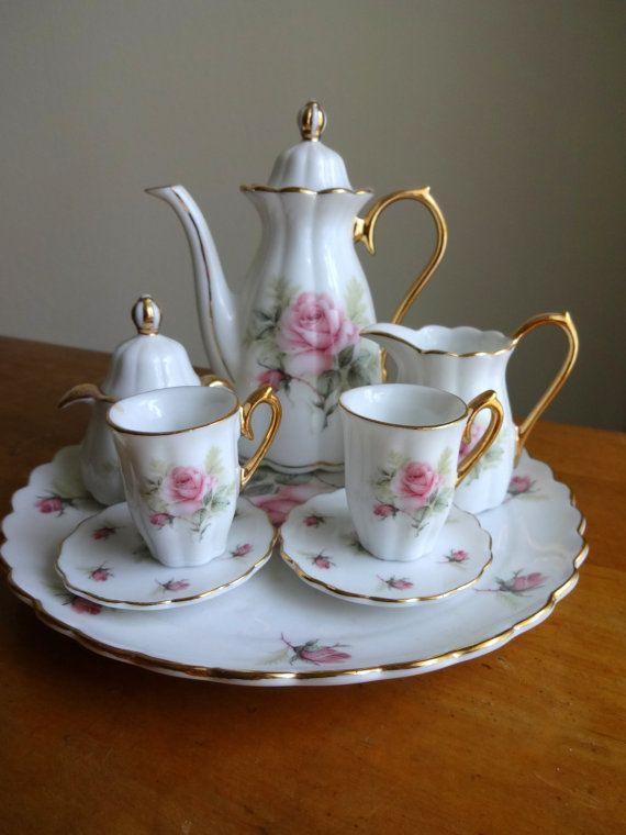 vintage victorian miniature rose tea set tea for two pinterest geschirr kleine leute und. Black Bedroom Furniture Sets. Home Design Ideas