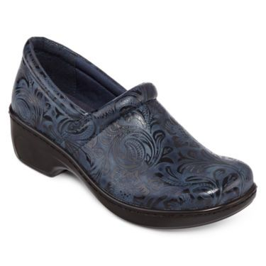 Yuu Bethanee Slip On Shoes. I have