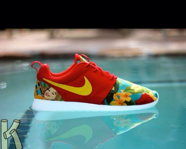 Custom Nike Roshe. Awesome!