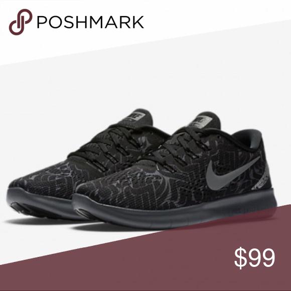 Nike free RN Rostarr women's black gray sneakers NWT