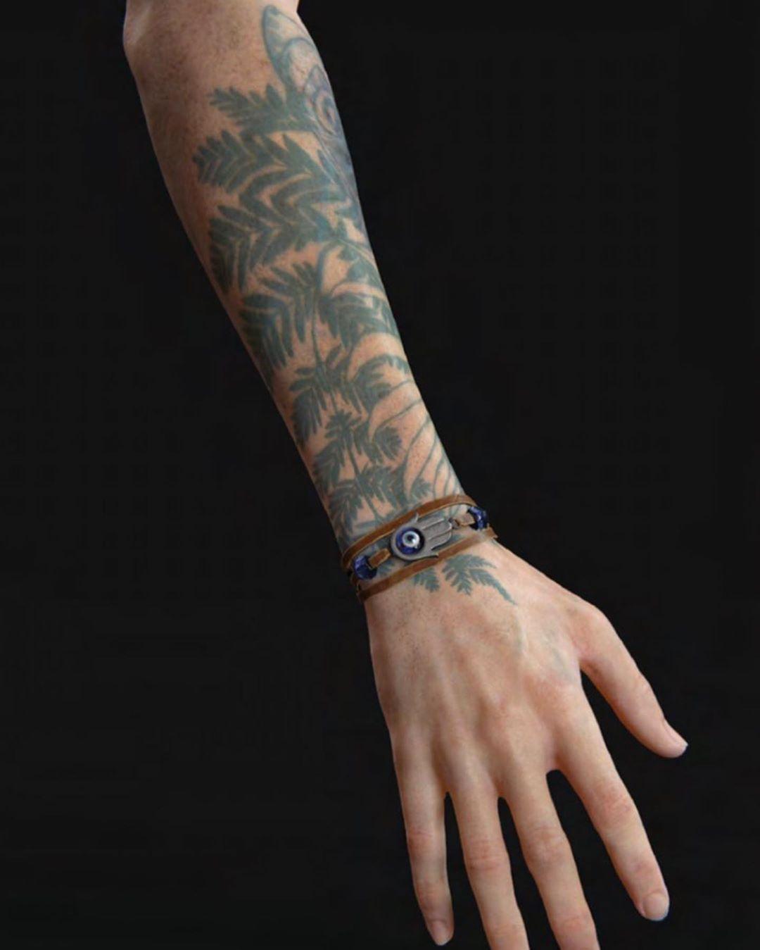 Pin De William Barlow Em Tlou2 Em 2020 Tatuagens Aleatorias Tatuagem Tatuagem De Jogos