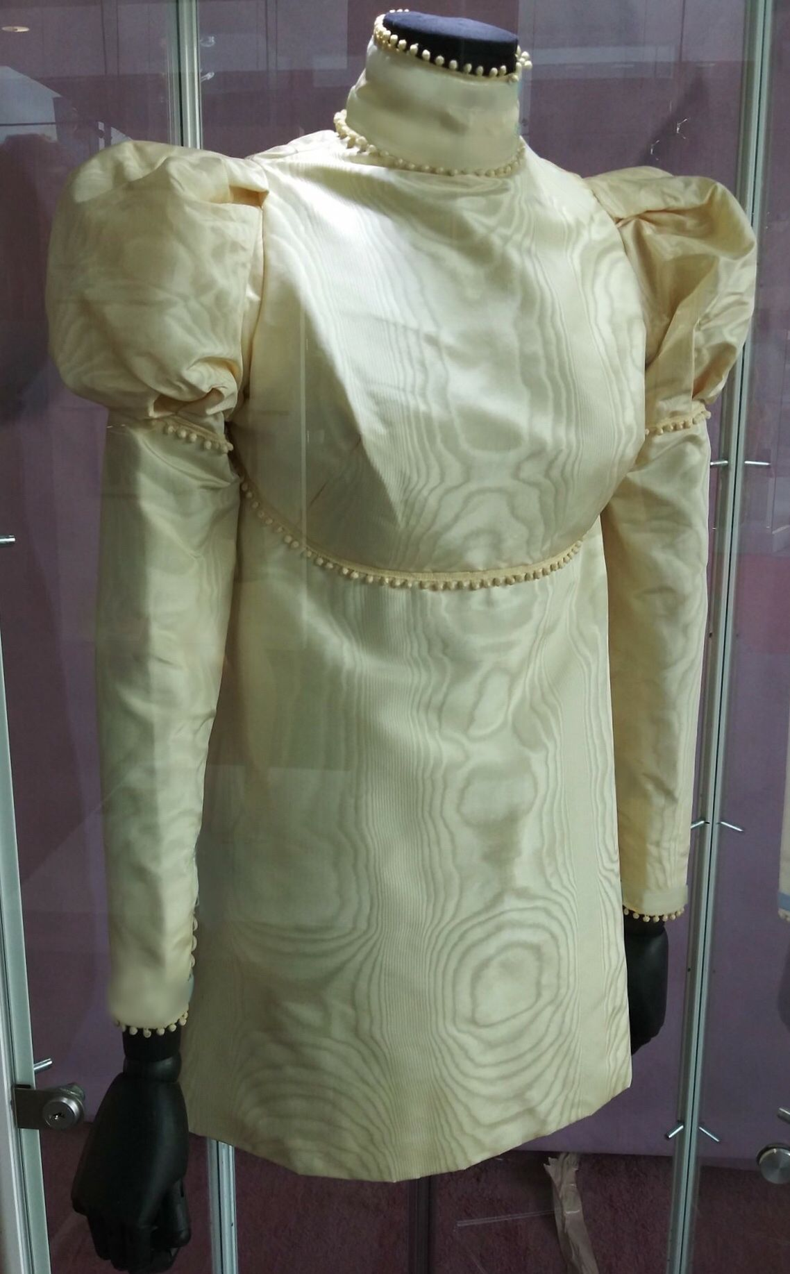 Look Of Sharon S Original Wedding Dress 70s Outfits Sharon Tate