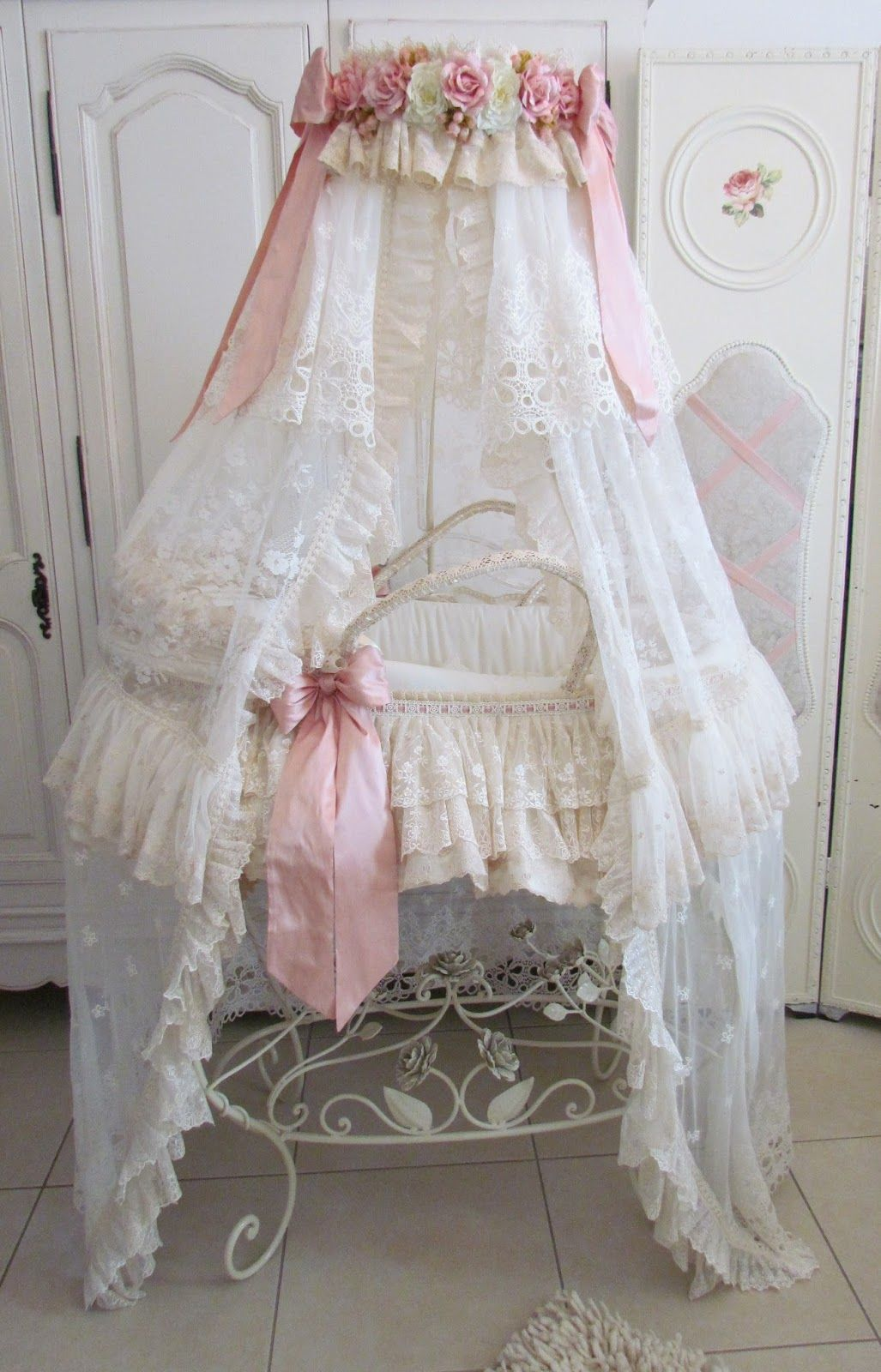 Oh Wow If I Could Do It All Over I Would Make Sure I Find A Bassinet Like This Shabby Chic Baby Furniture Shabby Chic Baby Shabby Chic Baby Nursery
