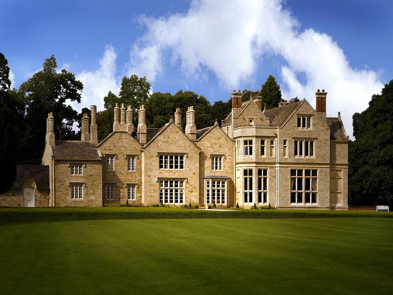 Lough Rynn Hotel In Leitrim Is One Of The Most Luxurious Castle Hotels Ireland