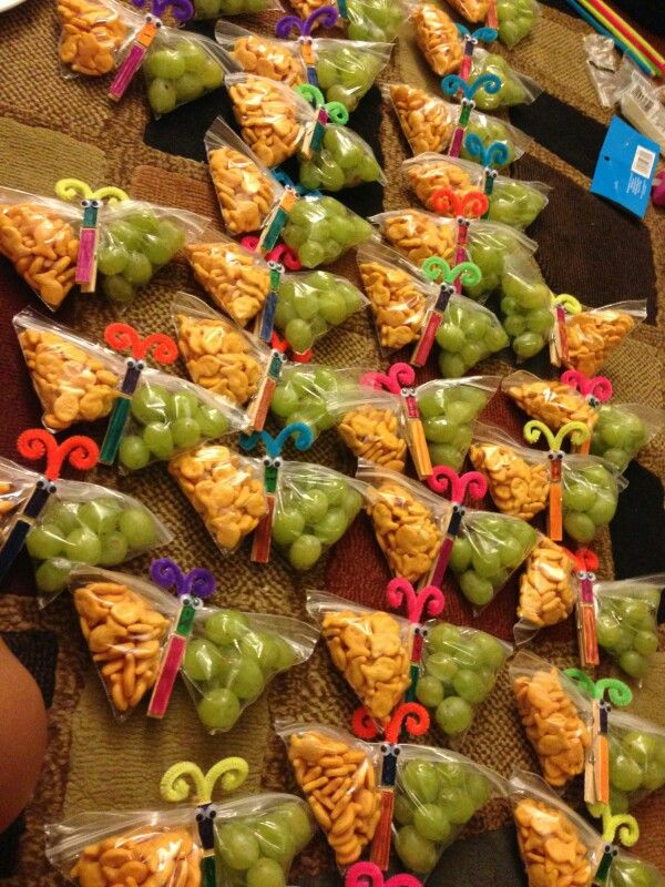 Making these for Nelly's Class Birthday Snack!!! :)    Butterfly healthy birthday snack
