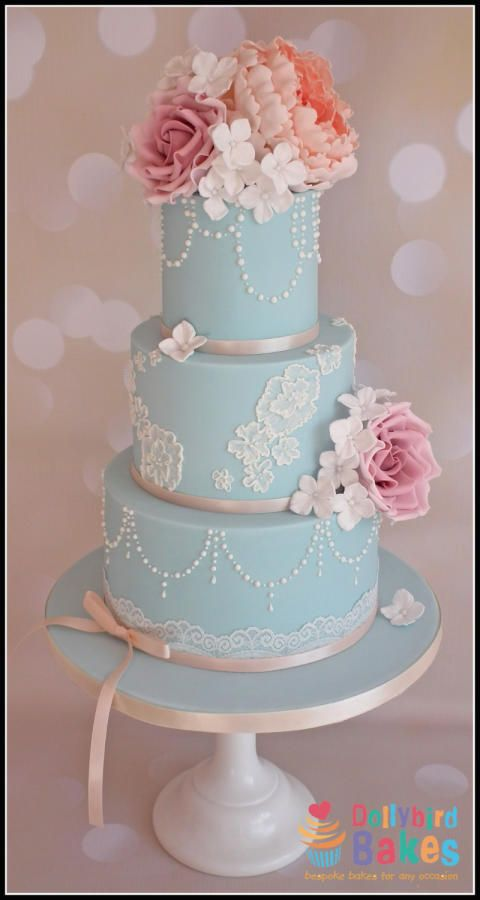 Wedgwood blue - Cake by Dollybird Bakes