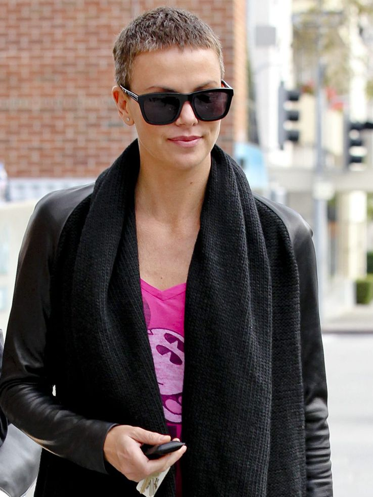 cool hair style charlize theron and extremely hair cut hair 8104
