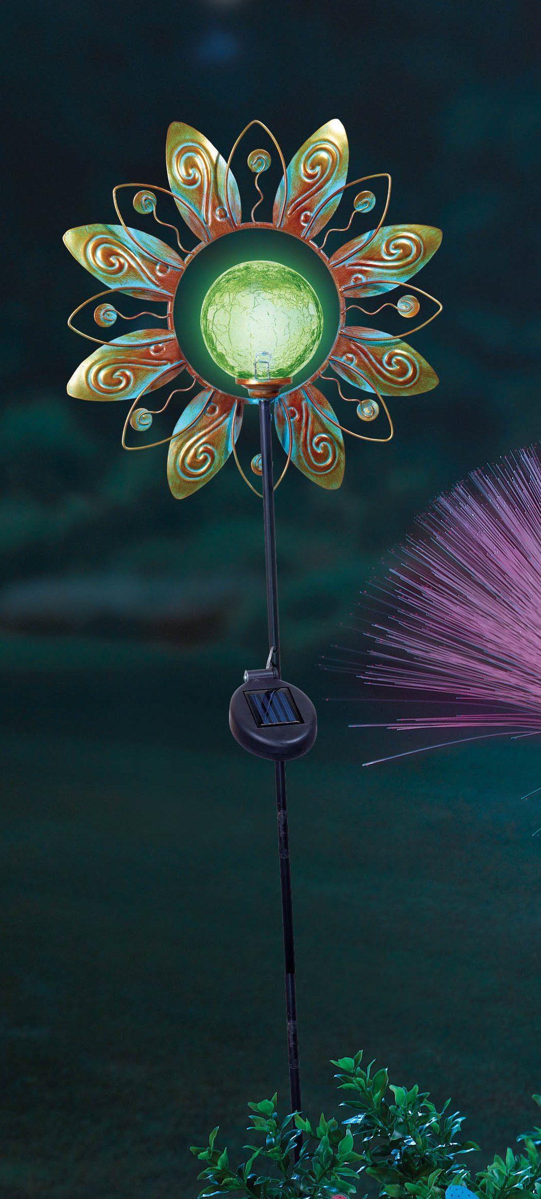 GR Solar Flower Garden Stake has a LED light in the center