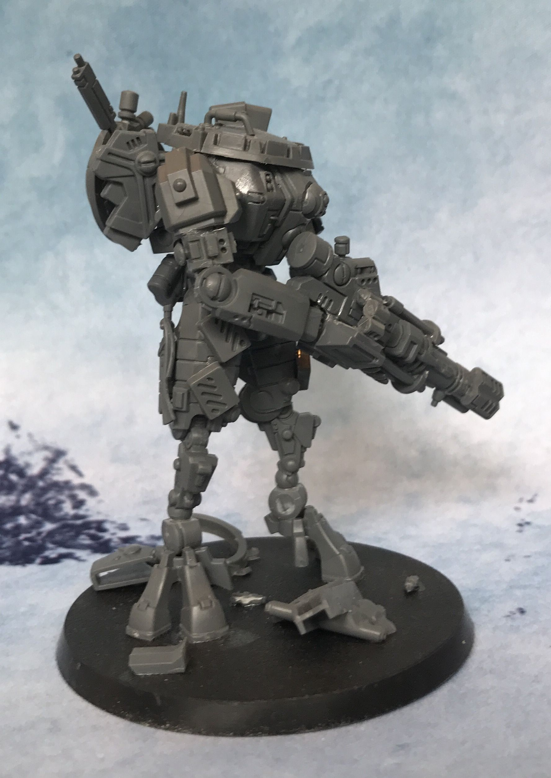 Experimental Tau empire battlesuit modeled to look like a Titanfall ...