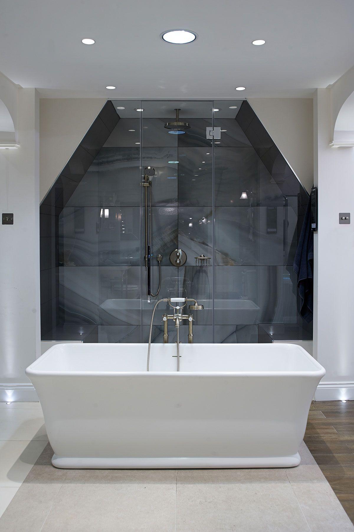 Magnus Freestanding Bath