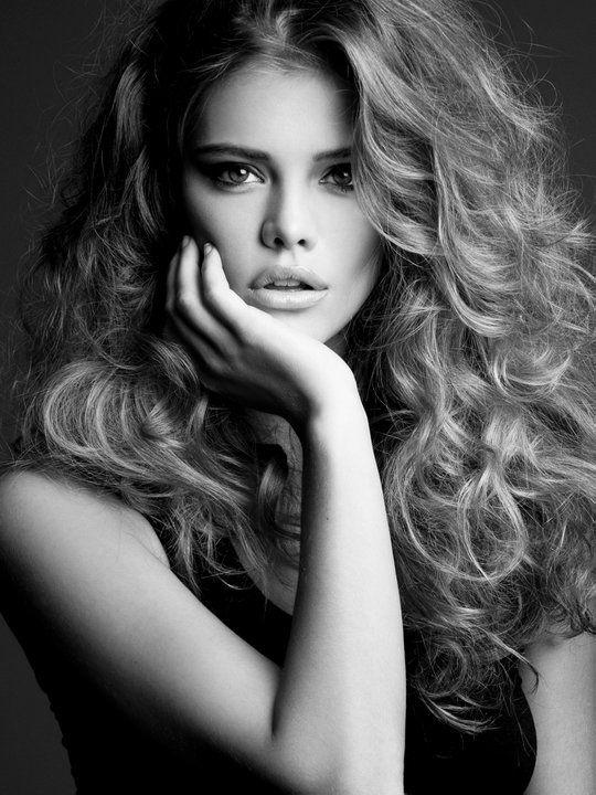 thick curly hair- Nina Agdal