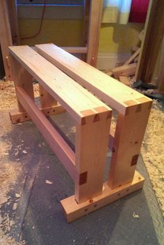 Split-top Saw Bench by Jay