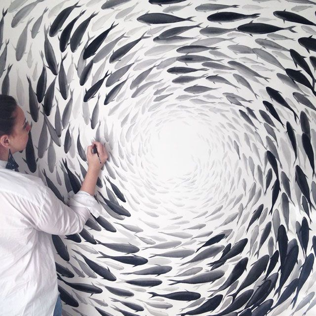 Inspired By Fish Movements, Artist Creates Stunning Porcelain Paintings