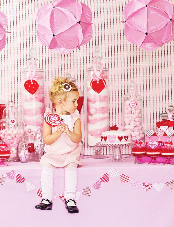 Pink Paper Plate polyhedrons- cutes Valentine party link ever ...