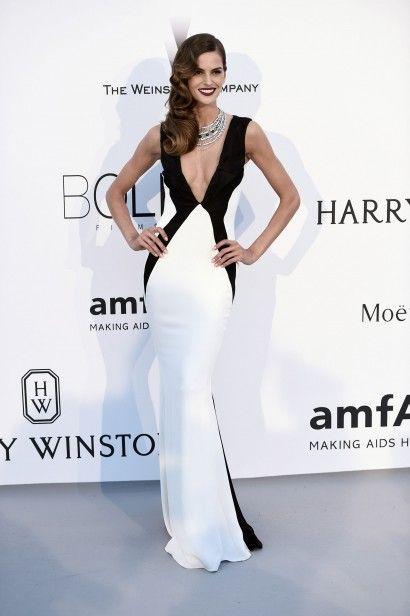 Izabel Goulart - Edição do gala da amfAR em Cannes