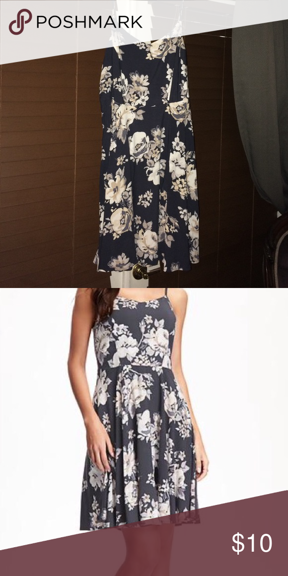 Floral Cami Dress for Women from Old Navy Dark grey with large flower print. Fit and flare styling, super soft material. OFFERS WELCOMED! 👍🏻 Old Navy Dresses Mini