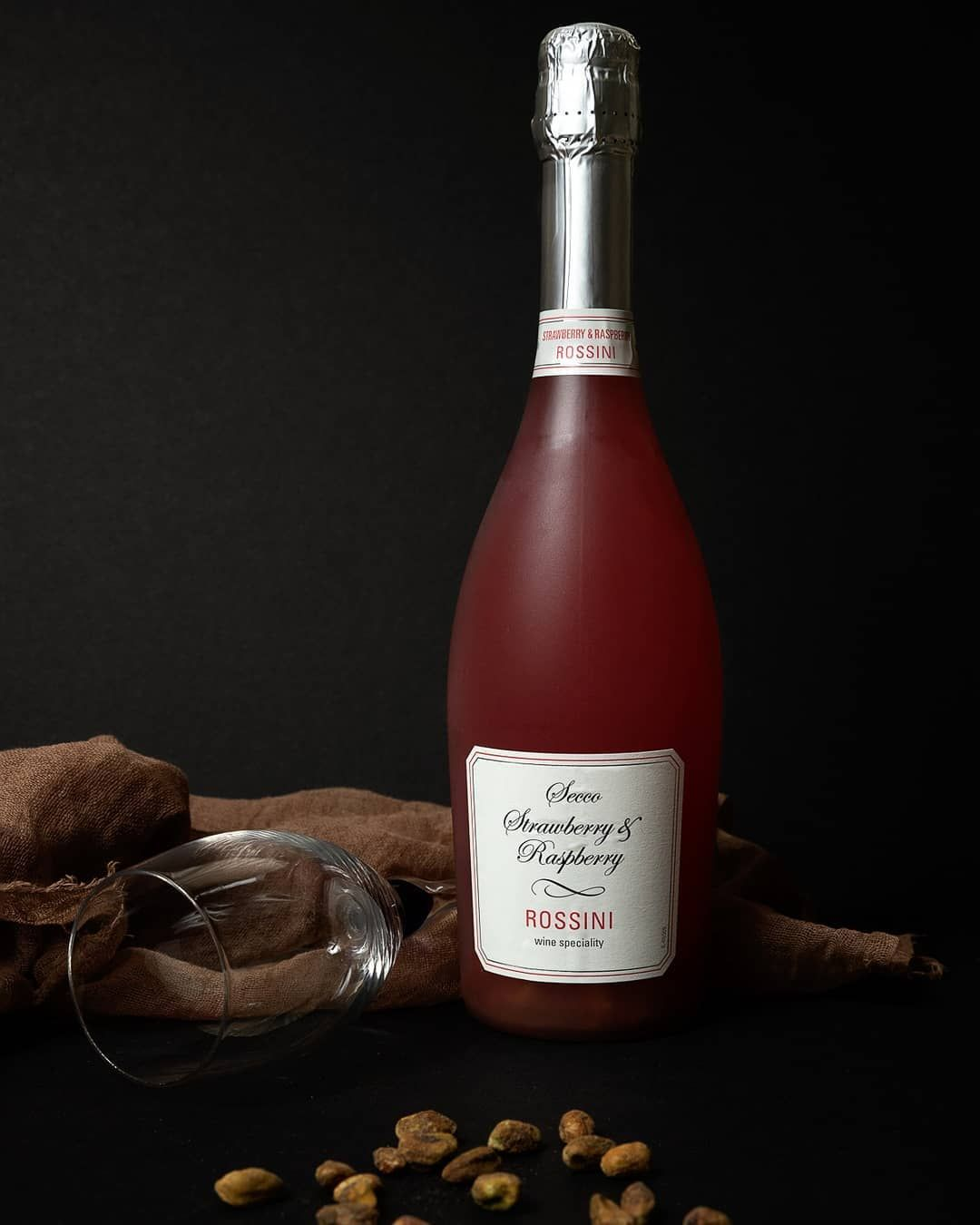Couple Of Years Ago I Was Afraid Of Using Flash On My Photos However Learning Ocf Was One The Best Things In 2020 Holiday Wine Photographing Food Click Photo School