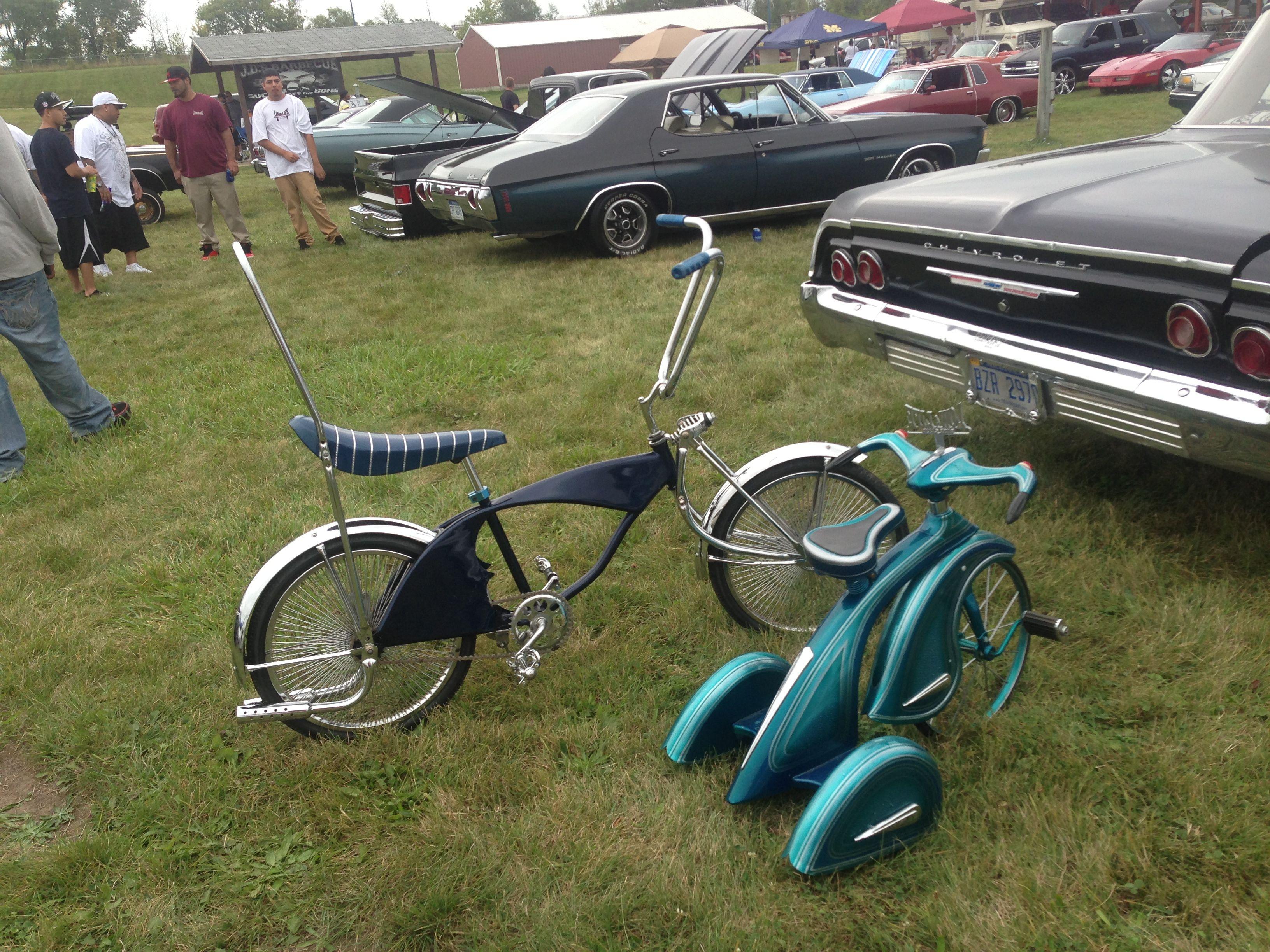 Really cool bike & trike lowriders :)