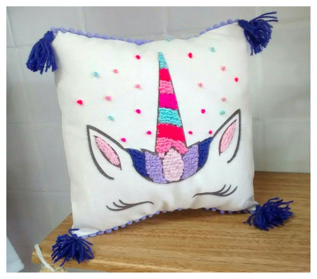Almohadón unicornio | manualidades | Pinterest | Stitch, Hand ...