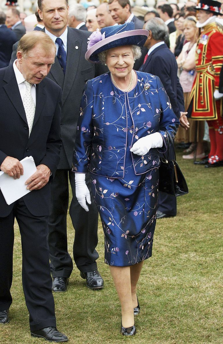 Photos Queen Elizabeth's Fresh Floral Style Over the