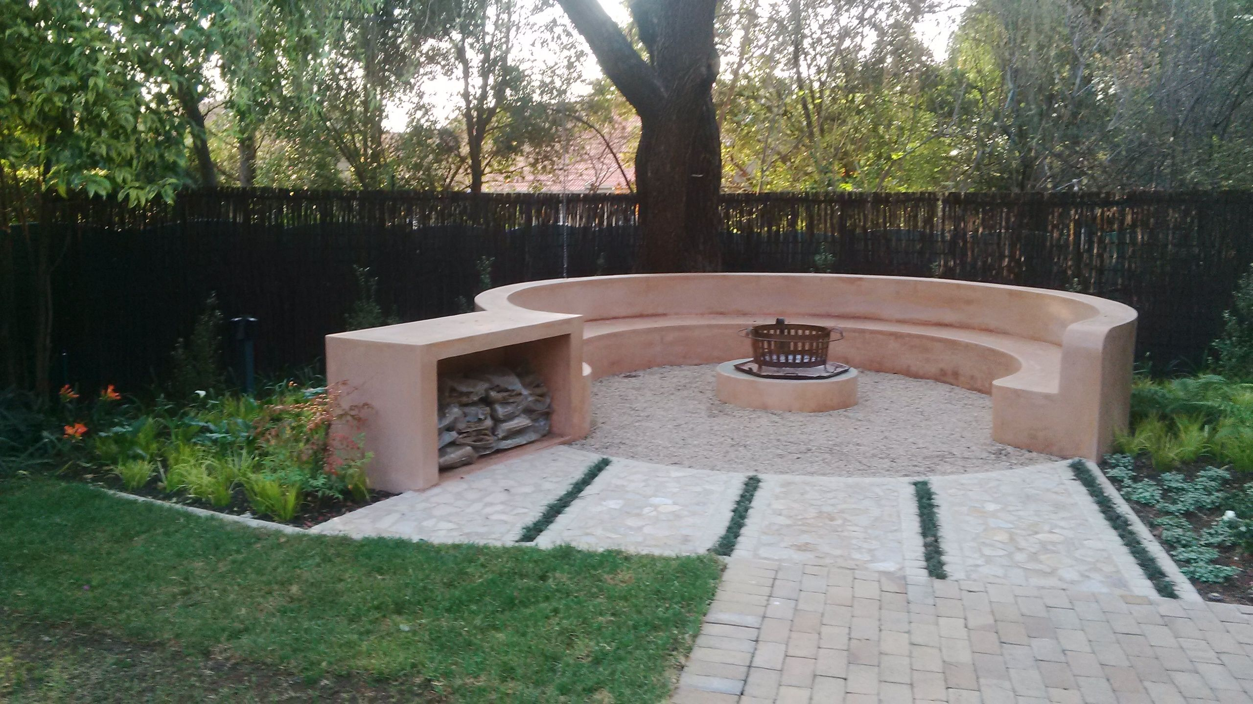 Fire Pits and Entertainment Areas | Backyard fire, Fire ... on Modern Boma Ideas id=51126