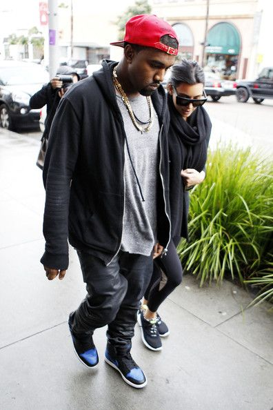 "Kanye Jordan Air Wearing ""royal West 1 DH9YE2WI"