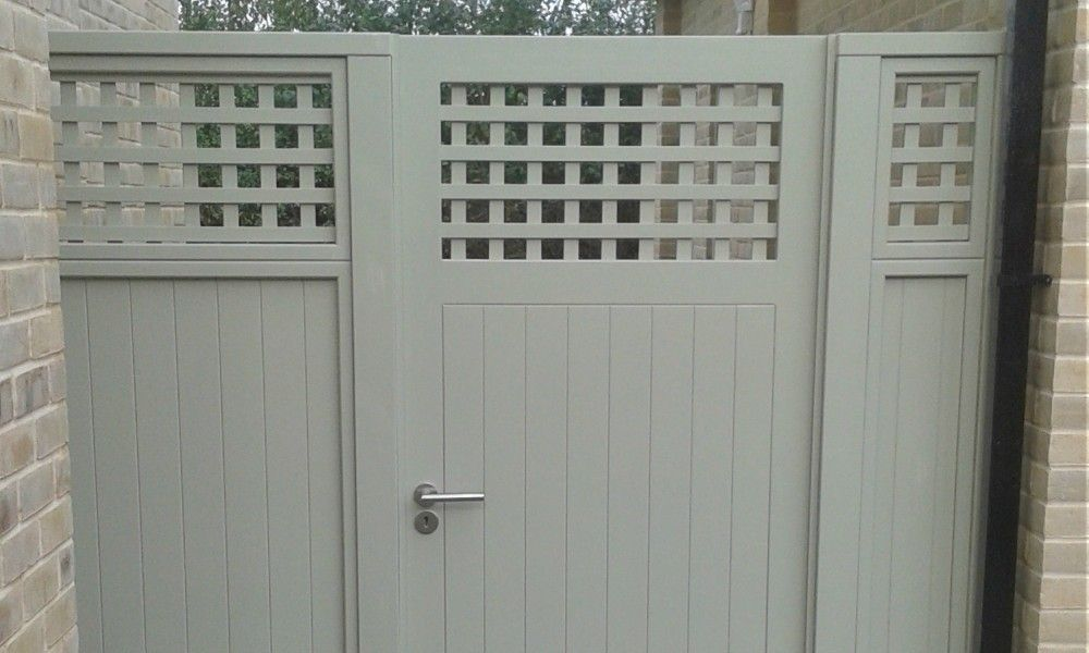 Solid Painted Gate With Trellis Top G A R D E N Wooden